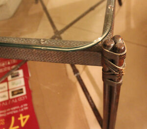 """Glass table for sale 39"""" H x 25"""" W x 22"""" H Stratford Kitchener Area image 2"""
