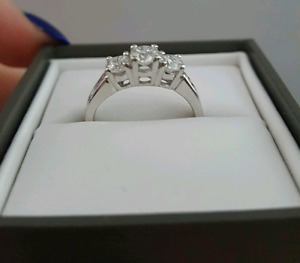 14kt White Gold Diamond Engagement Ring Size 5