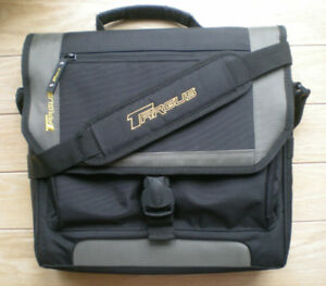 Nouveau sac d'ordinateur portable Targus / New Targus Laptop Bag