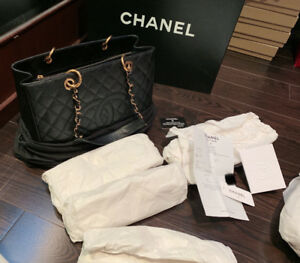 100% authentic Chanel GST(Grand Shopping Tote)