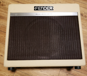 Fender bassbreaker 15 LE amp 650 or trade