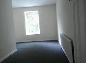 Large 2 bedroom Flat