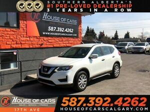2017 Nissan Rogue S / Back up camera / Bluetooth