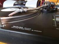 2x technics sl 1210mk2 turntables dj decks, vinyl records player