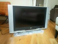 TV LCD LG RZ-32LZ50 with remote control