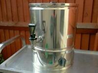 Commercial Lincat tea Urn, manual fill water boiler catering equipment