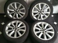 "Hyundai i40 17"" Alloy wheels and tyres."