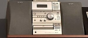 Cd/tape/radio stereo with remote control