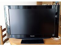 "32"" LCD Panasonic Viera Television"
