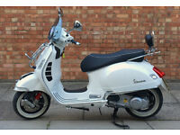 Vespa GTS 300 White with ONLY 252 miles