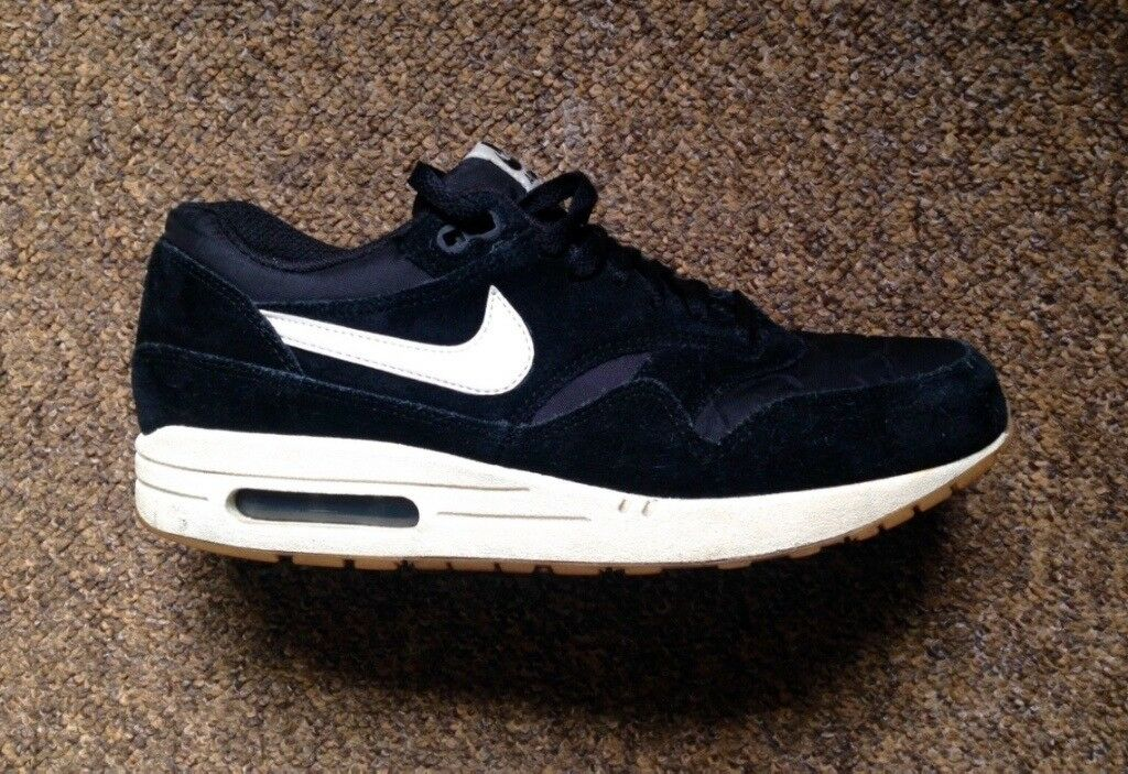 cheap for discount fa310 b061f Mens NIKE Air Max 1 Black and white Suede Trainers UK 8 VGC (RRP £90)