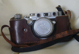 Vintage 1938 Leica III with 1937 Summar lens and Metraphot 2 meter.