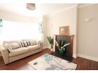 beautiful 5 bedroom house to rent in nw9 Ideal for professional sharer & family available now