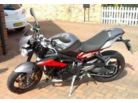 2015 Triumph Street Triple R. Grey - Low mileage