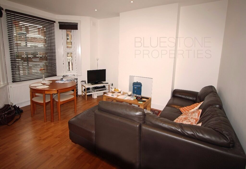 !!Modern conversion[2 BED]flat-Balcony-Great Size-Great Location- Positioned very close to Oval tube