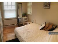 1 bedroom flat in High Street, Tring, HP23 (1 bed)