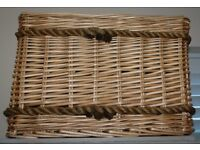 Beautiful Wicker Storage Basket Toys Logs Papers with Rope Handles Ex Cond
