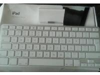 Apple iPad keyboard in Box