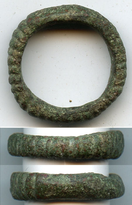 Rare! Ancient ribbed Celtic finger ring (size ~5 1/2), 800-500 BC, Danube Area