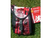 BNWT Unwated present Manchester United Sling Bag Official Merchandise.