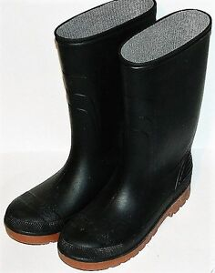 Boys' Rain Boots Size 5 or Size 6 Like New
