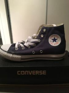 CHUCK TAYLOR ALL STAR HIGH TOP YOUTH (SIZE 2.5). RED & DARK BLUE