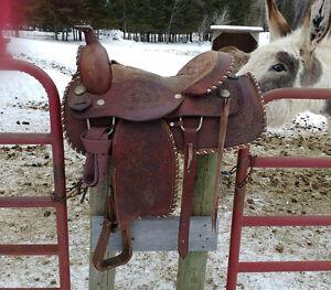 "Leather trail/pleasure saddle 16"" seat FQHB"