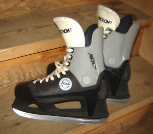 Micron Skates - size 7 (for youth/men's)