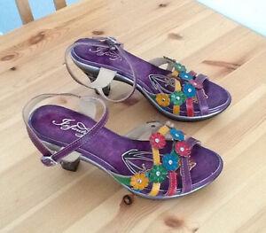Jolie paire de sandales!