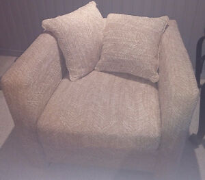comfy fabric lounging chair