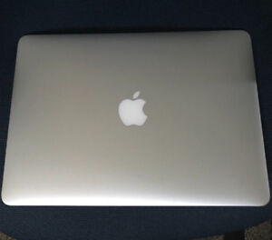 MacBook Air 2017 Mint condition with CASE
