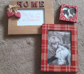 Next Red Three Picture Frames