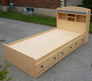 Twin bed with bookcase headboard and 3 drawers