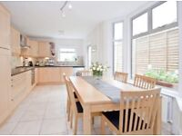 Stunning 4 bed Victorian house with spacious double room.