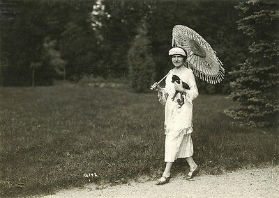 FASHIONABLE WOMAN WITH SMALL DOG AND UMBRELLA OUTING IN PARK ca 1920's PHOTO