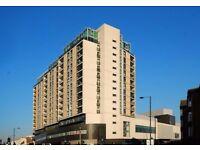 **2 double bedroom flat in modern building on Kingsway N12,HIGH SECURITY/UNDERGROUND PARKING!!**
