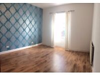 Unfurnished 2 bedroom, main door property with a private garden to let in Commercial Street