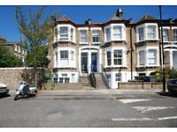 2 bedroom flat in Pendrell Road, Brockley