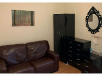 Room To Let Glasgow CITY CENTRE Gray Street AVAILABLE NOW £85 per week