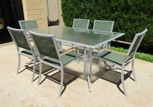 Outdoor Dining Setting, Nouvag'e