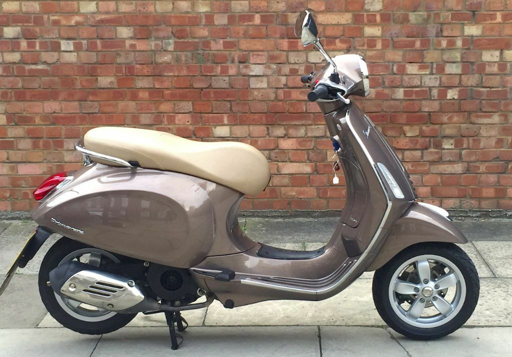 64 reg piaggio vespa primavera 125 in aldgate london. Black Bedroom Furniture Sets. Home Design Ideas