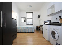 Studio on Greenwich High Road, ideally located to central Greenwich - inclusive of bills
