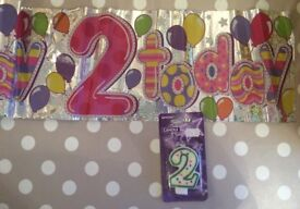Age 2 Banner and candle set (BRAND NEW) (FFSP)