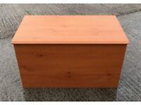 PINE EFFECT BLANKET BOX