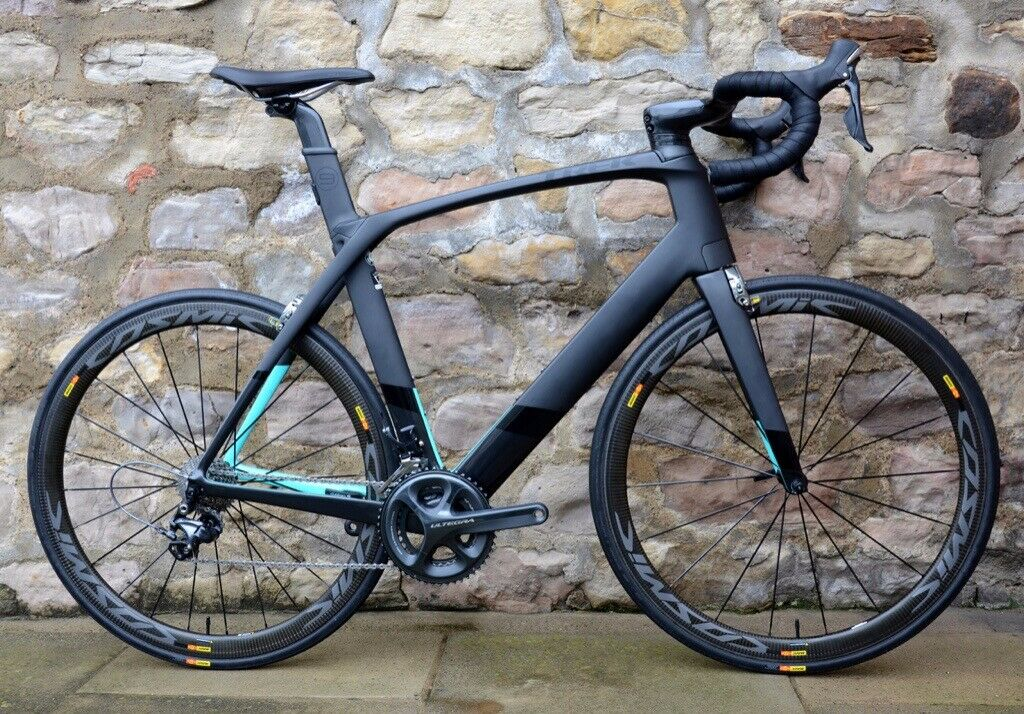 3d279110ace TREK MADONE 9.2 AERO CARBON ROAD BIKE. UPGRADED CARBON WHEELS. MINT AS-NEW  CONDITION