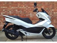 Honda pcx 125, As new, only 526 miles!