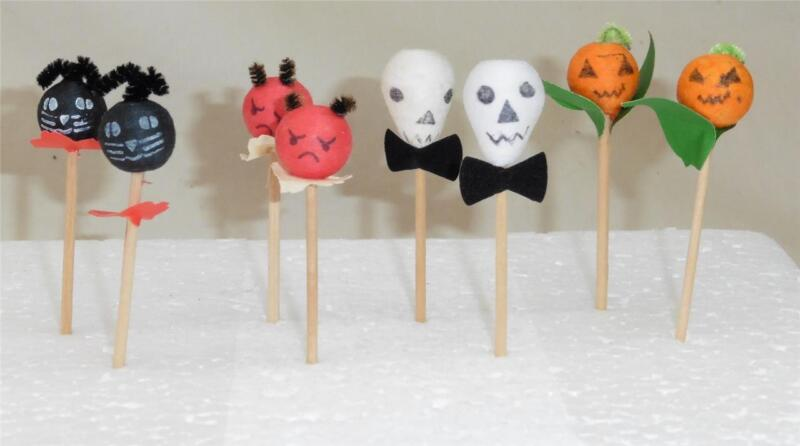 Vintage Halloween PRESSED COTTON PARTY PICKS - Set of 8 - Japan