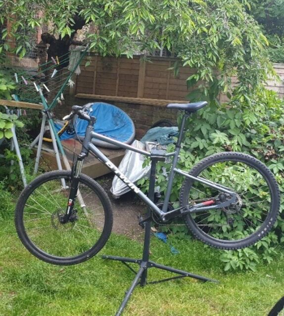 25d0369f5a2 Btwin riverside 500 mountain/hybrid bike In great condition not felt giant  fuji trek carrera