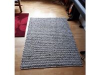 Textured rug for bedroom or living room - 170x120cm