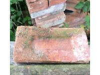 RED RECLAIMED VINTAGE BRICKS / APPROX 200 -300